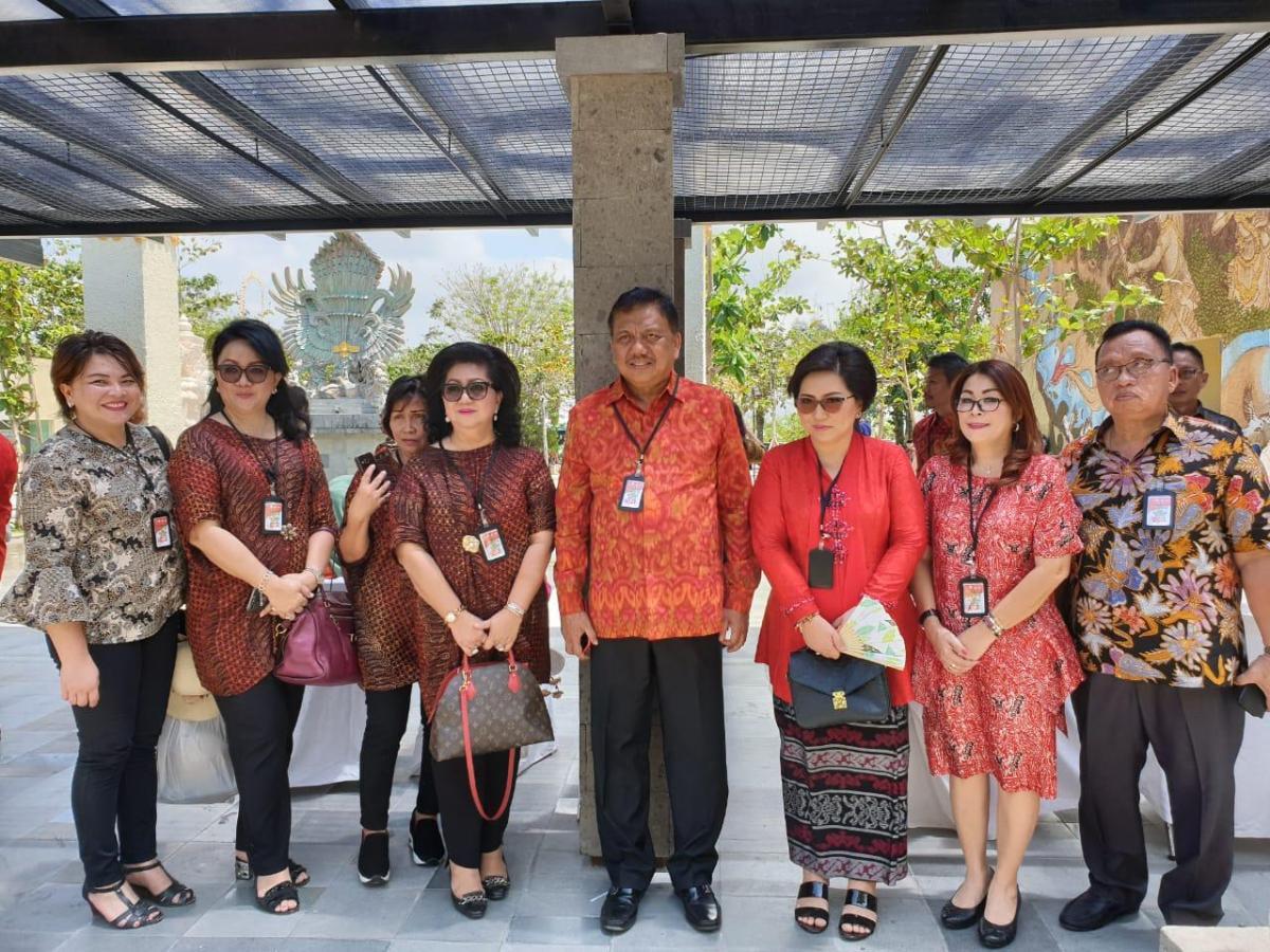 Dampingi Gubernur OD, Wabup Dondokambey Hadiri Temu Karya Nasional Gelar Teknologi Tepat Guna Di Denpasar Bali