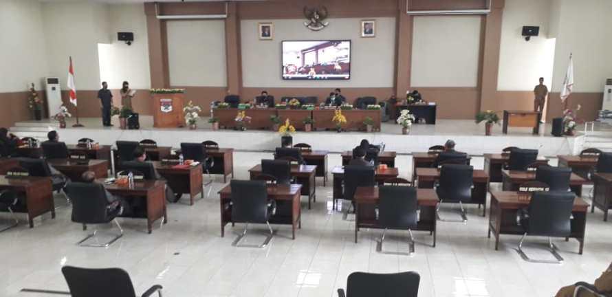 Tiga agenda Rapat Paripurna DPRD Minsel 3